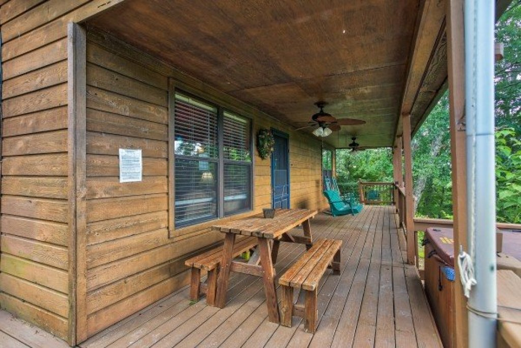 Photo of a Pigeon Forge Cabin named America's View - This is the tenth photo in the set.