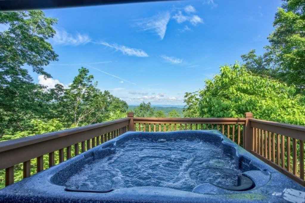 Photo of a Pigeon Forge Cabin named America's View - This is the eighteenth photo in the set.