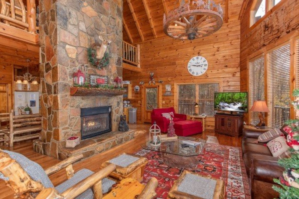 Photo of a Gatlinburg Cabin named The Original American Dream - This is the fourth photo in the set.