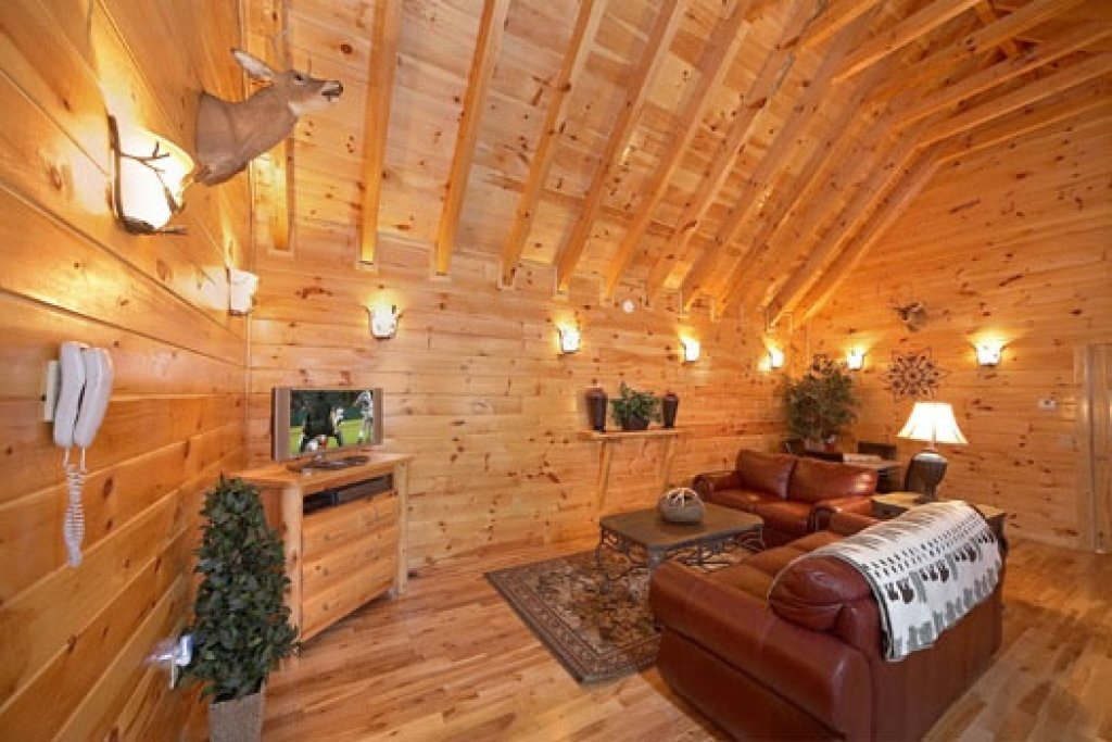 Photo of a Gatlinburg Cabin named Big Sky Lodge - This is the twelfth photo in the set.