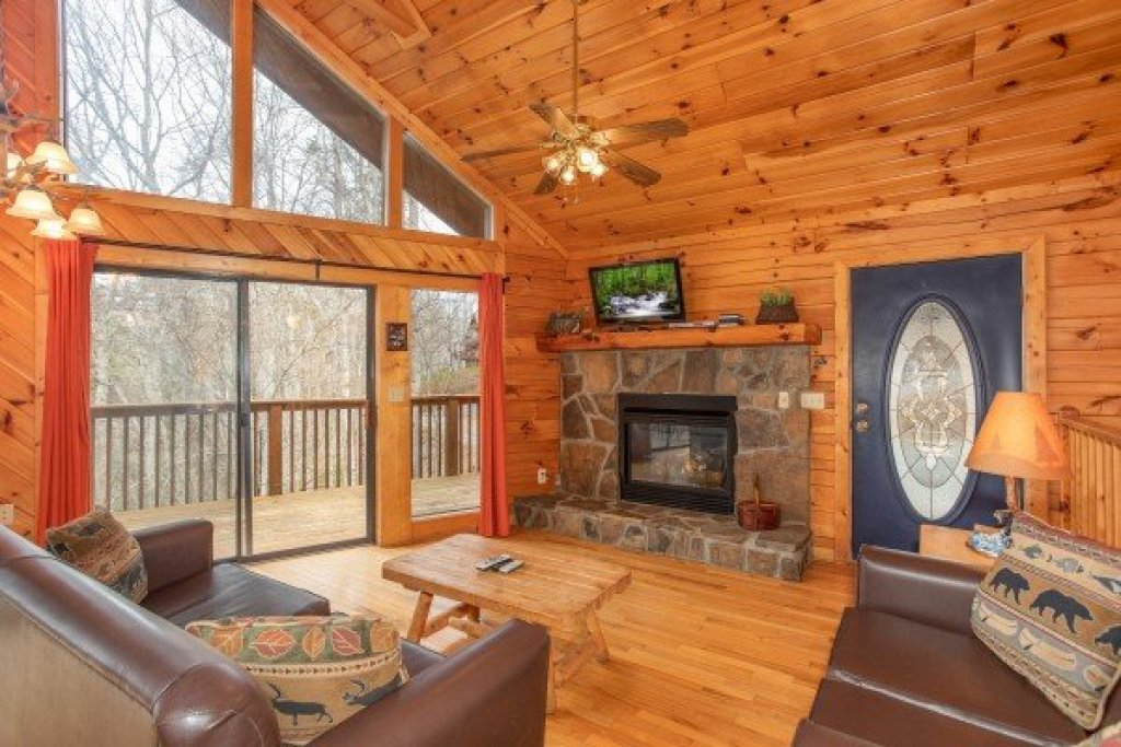 Photo of a Sevierville Cabin named Angel's Place - This is the fourth photo in the set.