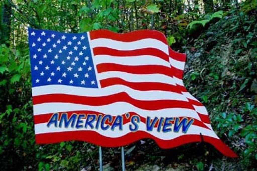 Photo of a Pigeon Forge Cabin named America's View - This is the twenty-third photo in the set.