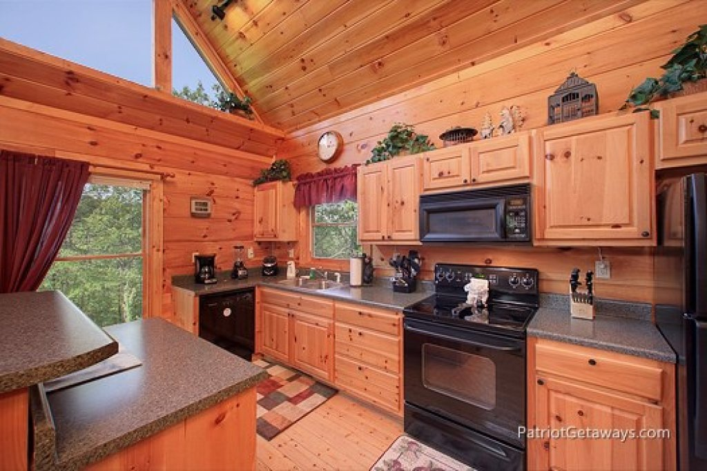 Photo of a Gatlinburg Cabin named Tranquility - This is the fifth photo in the set.
