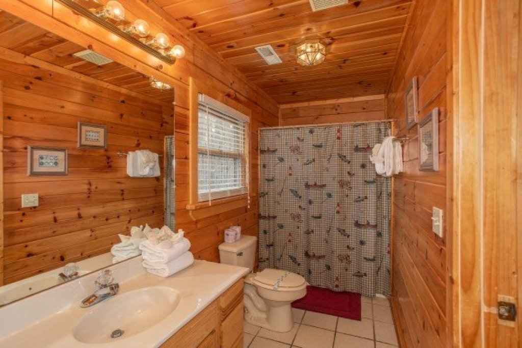 Photo of a Sevierville Cabin named Angel's Place - This is the fourteenth photo in the set.