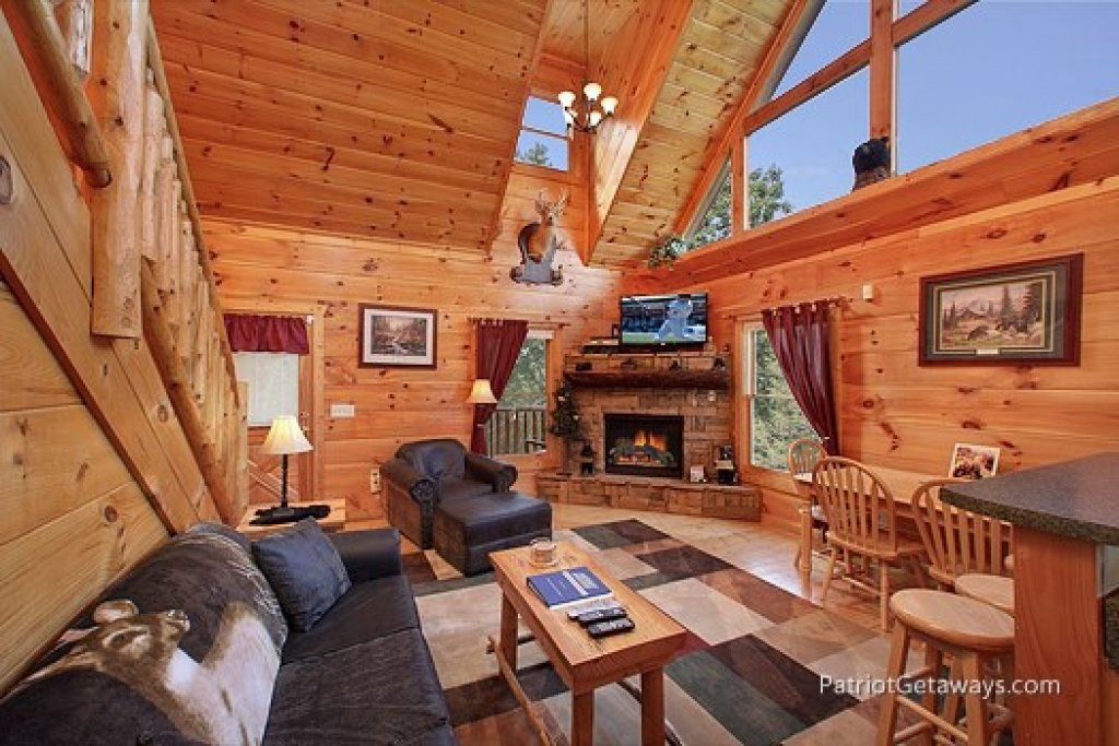 Photo of a Gatlinburg Cabin named Tranquility - This is the third photo in the set.