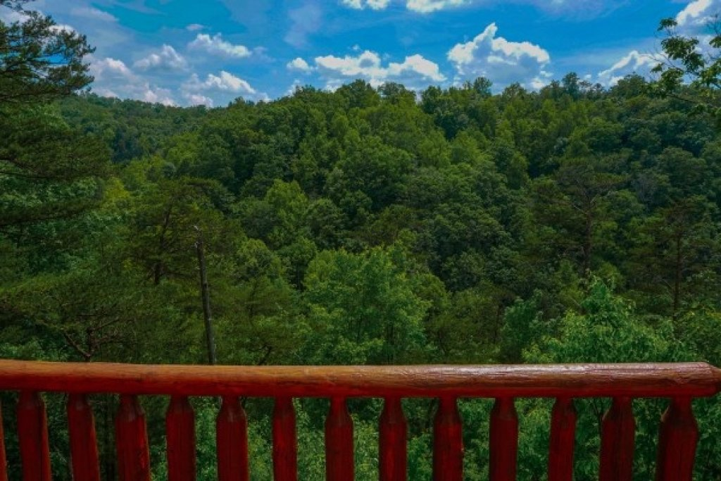 Photo of a Gatlinburg Cabin named Deerly Beloved - This is the twenty-fourth photo in the set.