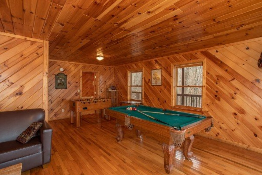 Photo of a Sevierville Cabin named Angel's Place - This is the twenty-first photo in the set.
