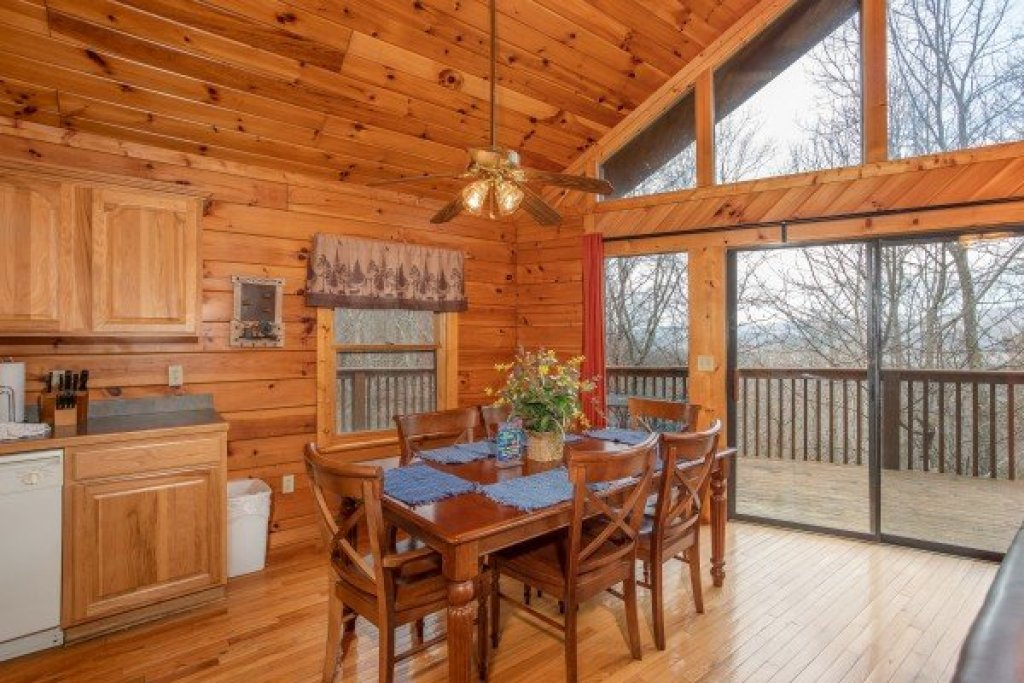 Photo of a Sevierville Cabin named Angel's Place - This is the sixth photo in the set.