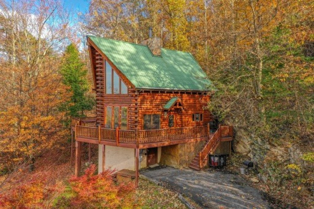 Photo of a Gatlinburg Cabin named The Original American Dream - This is the twenty-fifth photo in the set.