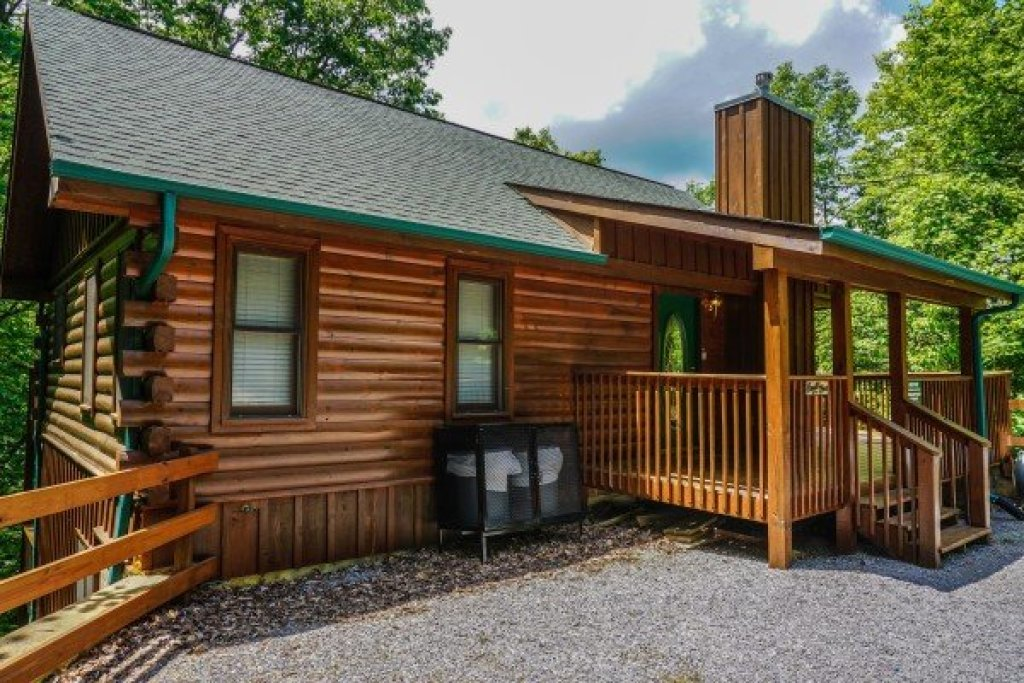Photo of a Sevierville Cabin named Angel's Place - This is the twenty-fifth photo in the set.