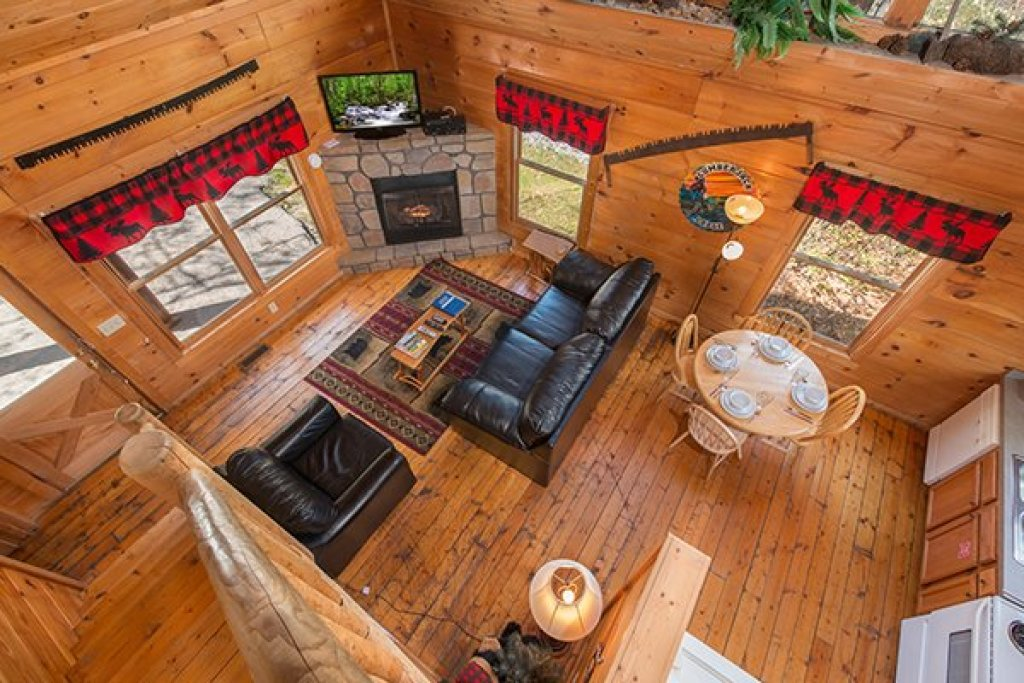 Photo of a Gatlinburg Cabin named Lumber Jack Lodge - This is the tenth photo in the set.