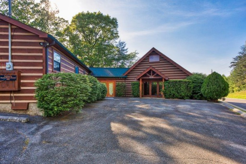 Photo of a Pigeon Forge Cabin named Patriot Pointe - This is the thirty-first photo in the set.