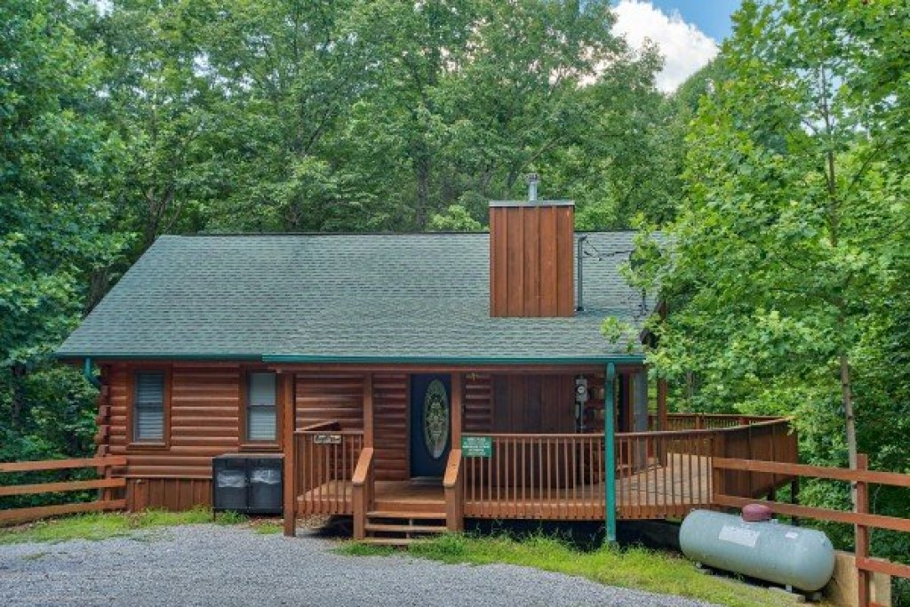 Photo of a Sevierville Cabin named Angel's Place - This is the third photo in the set.