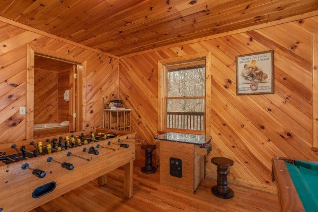 Photo of a Sevierville Cabin named Angel's Place - This is the twenty-second photo in the set.