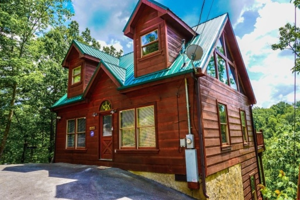 Photo of a Gatlinburg Cabin named Deerly Beloved - This is the second photo in the set.