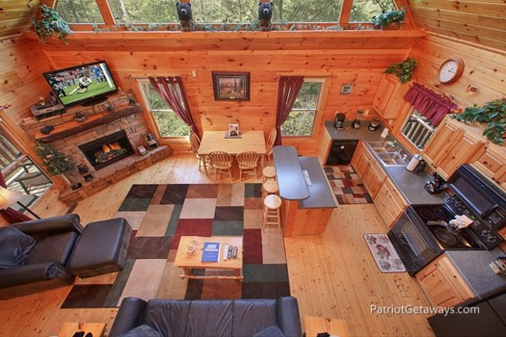 Photo of a Gatlinburg Cabin named Tranquility - This is the second photo in the set.