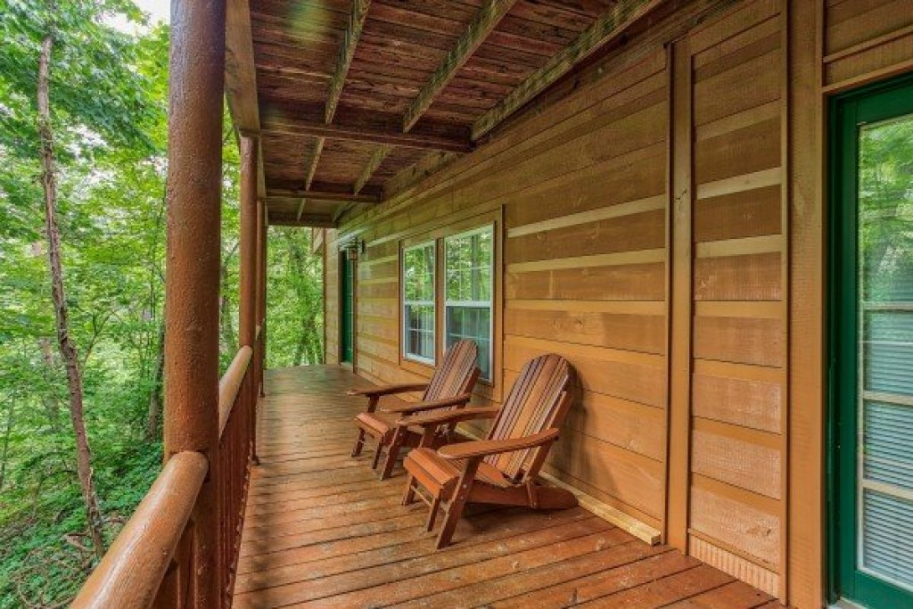 Photo of a Sevierville Cabin named Breezy Mountain Lodge - This is the forty-first photo in the set.