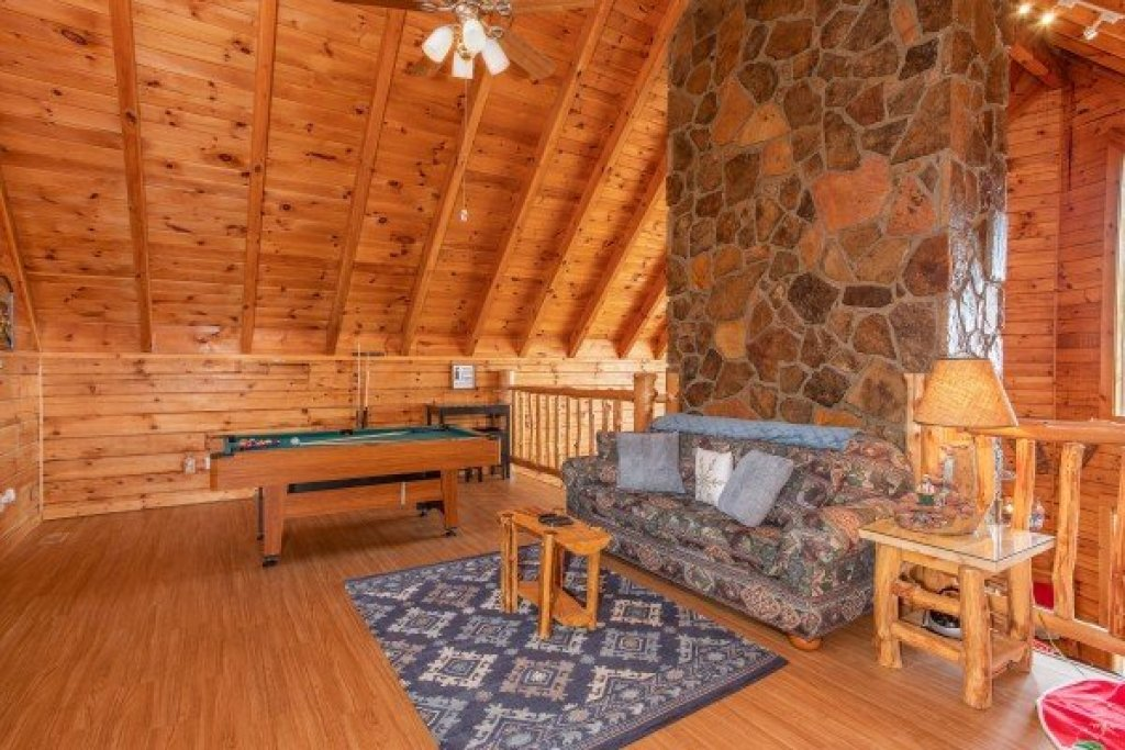 Photo of a Gatlinburg Cabin named The Original American Dream - This is the twentieth photo in the set.