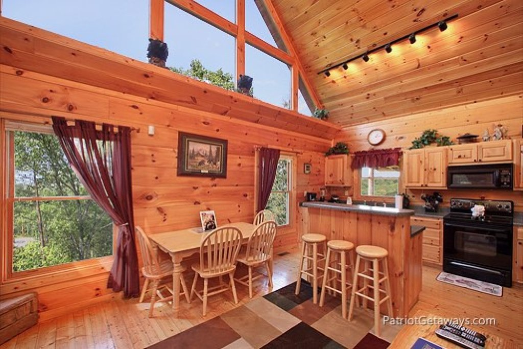 Photo of a Gatlinburg Cabin named Tranquility - This is the fourth photo in the set.