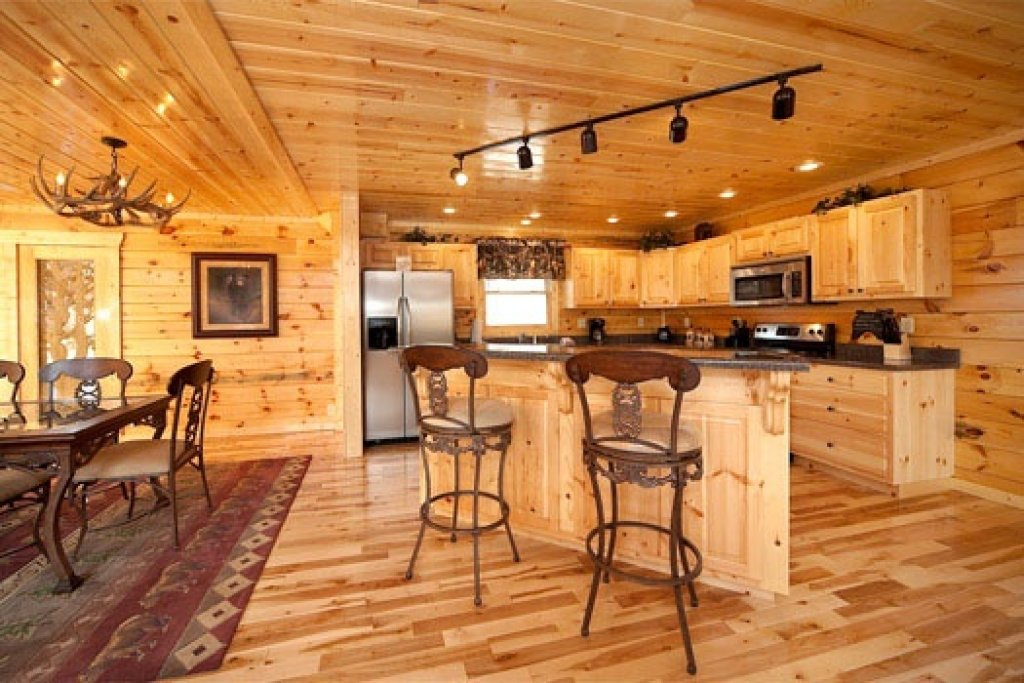 Photo of a Gatlinburg Cabin named Big Bear Cove - This is the seventh photo in the set.