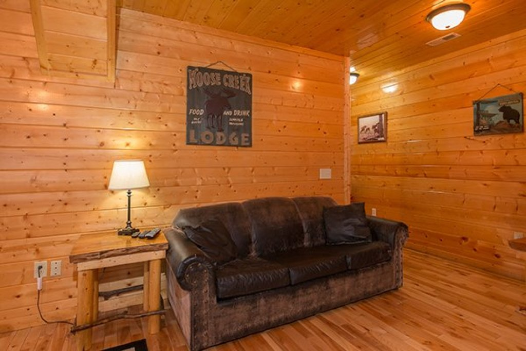 Photo of a Gatlinburg Cabin named Country Bear's Getaway - This is the seventeenth photo in the set.