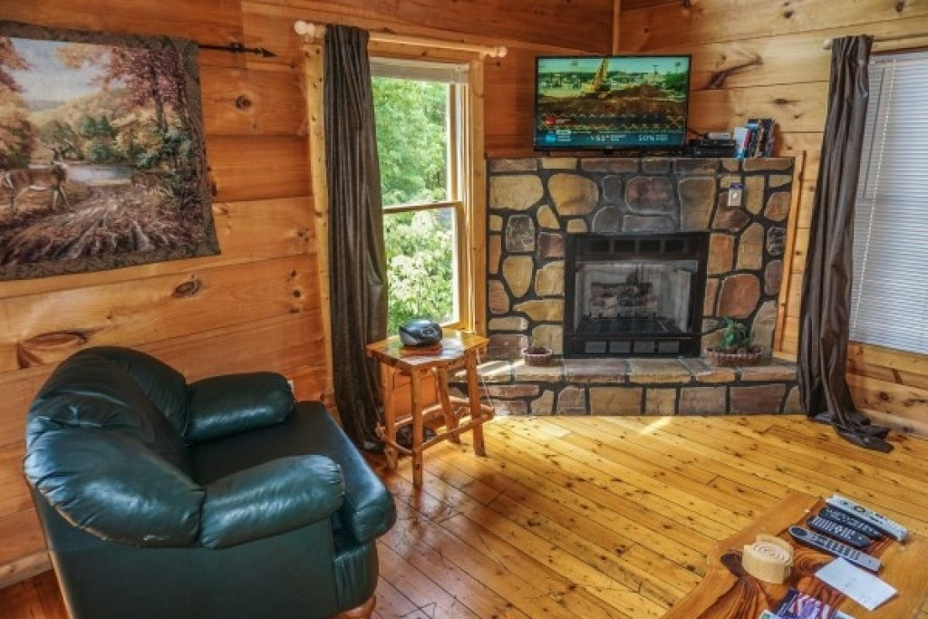Photo of a Gatlinburg Cabin named Deerly Beloved - This is the seventh photo in the set.
