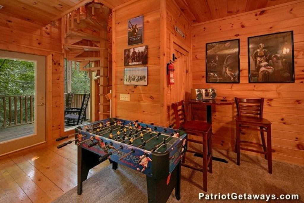 Photo of a Pigeon Forge Cabin named Bear House Retreat - This is the fifth photo in the set.
