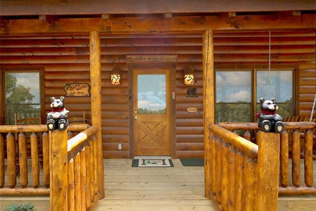 Photo of a Gatlinburg Cabin named Country Bear's Getaway - This is the third photo in the set.