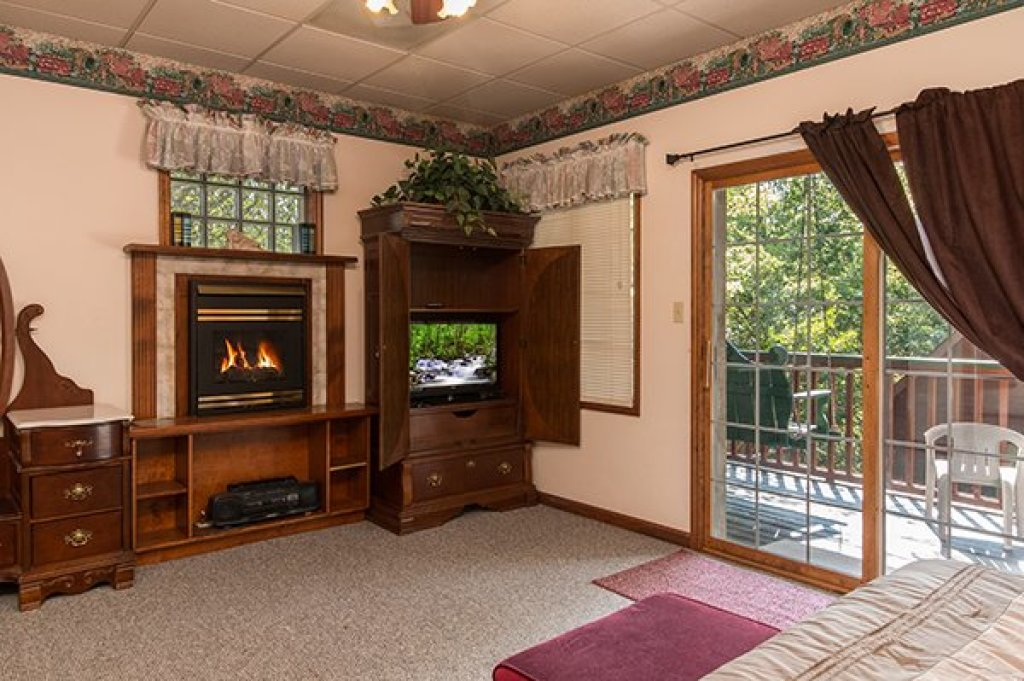 Photo of a Pigeon Forge Cabin named Ain't Misbehaven - This is the ninth photo in the set.