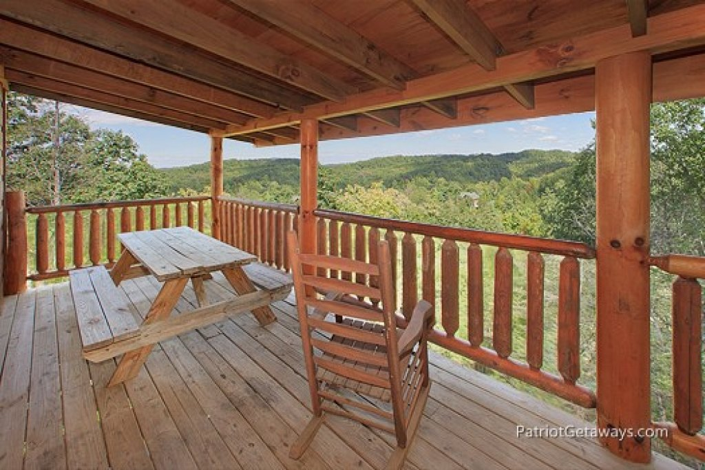 Photo of a Gatlinburg Cabin named Tranquility - This is the sixteenth photo in the set.