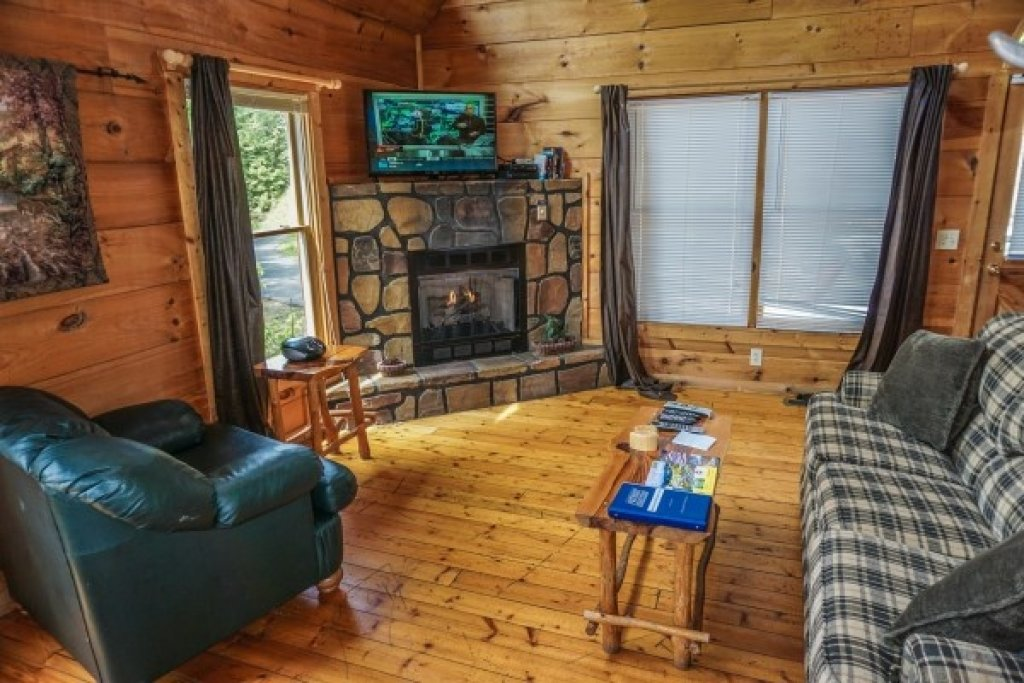Photo of a Gatlinburg Cabin named Deerly Beloved - This is the sixth photo in the set.