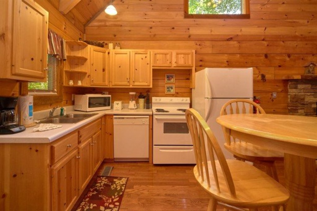 Photo of a Sevierville Cabin named Wild Crush - This is the sixth photo in the set.