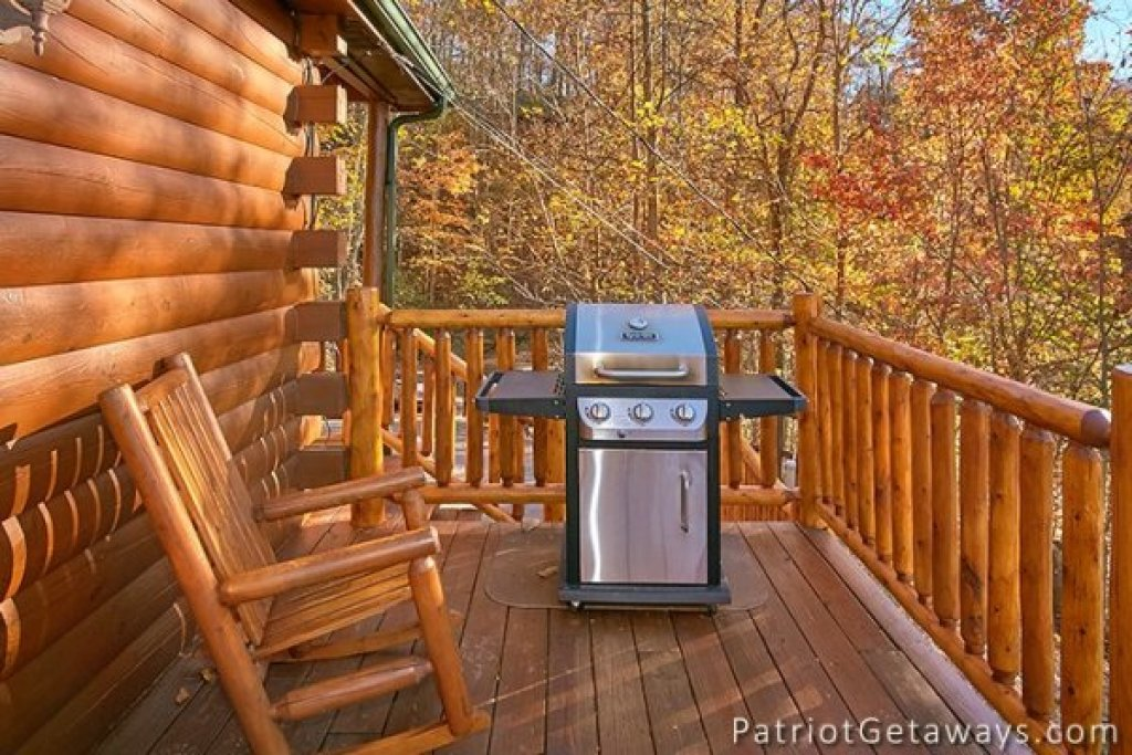 Photo of a Gatlinburg Cabin named The View - This is the twenty-second photo in the set.