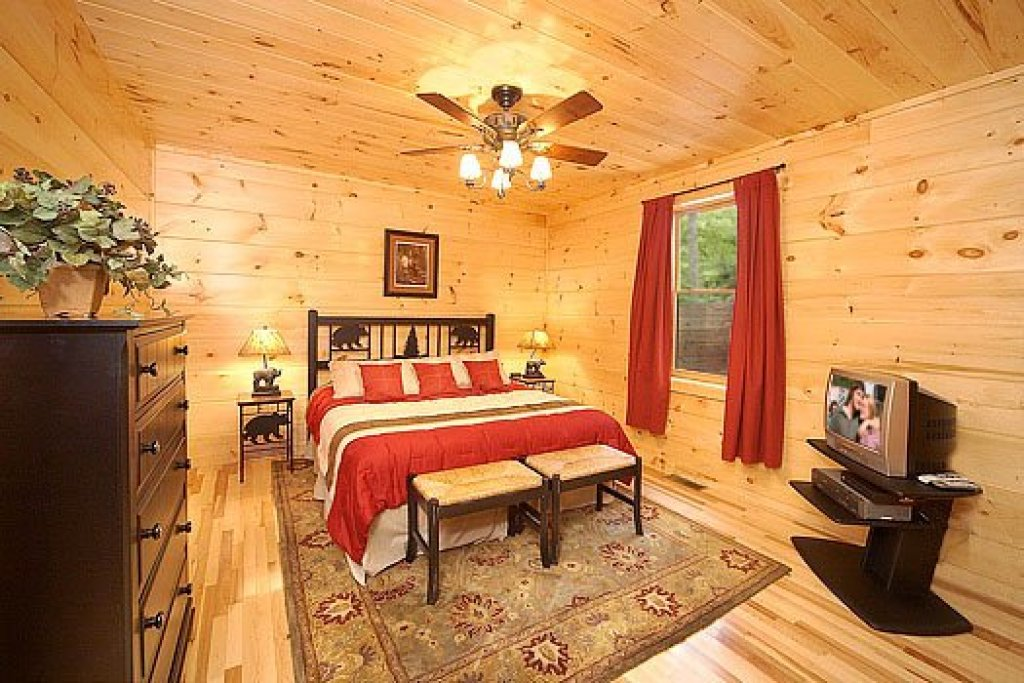 Photo of a Sevierville Cabin named Moonbeams & Cabin Dreams - This is the thirteenth photo in the set.