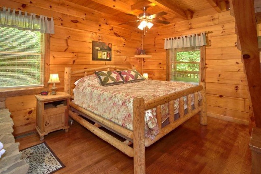 Photo of a Sevierville Cabin named Wild Crush - This is the eighth photo in the set.