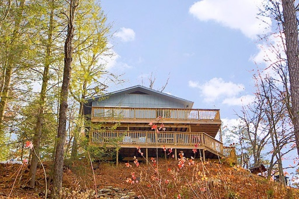Photo of a Gatlinburg Cabin named Astonishing Views - This is the fourth photo in the set.
