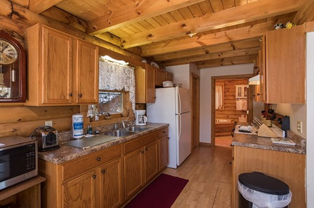 Photo of a Sevierville Cabin named Sierra's Mountain Retreat - This is the fifth photo in the set.