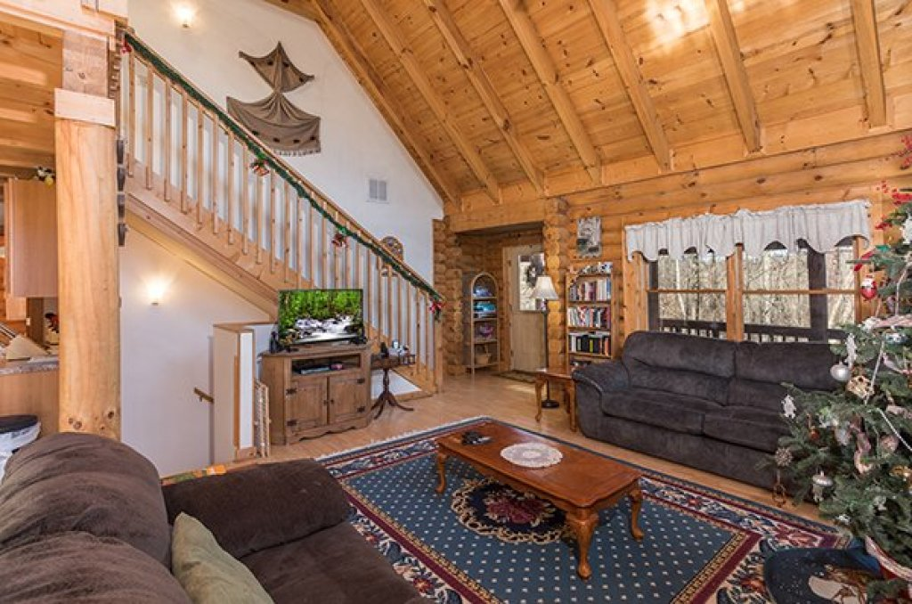 Photo of a Sevierville Cabin named Sierra's Mountain Retreat - This is the third photo in the set.