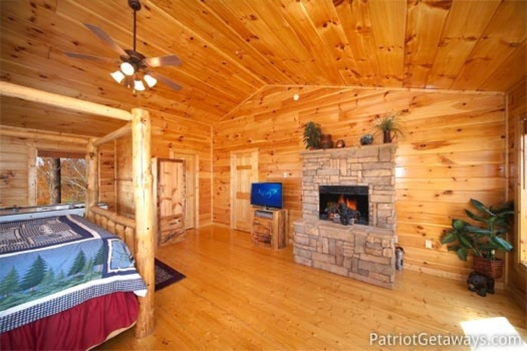 Photo of a Gatlinburg Cabin named The View - This is the twelfth photo in the set.