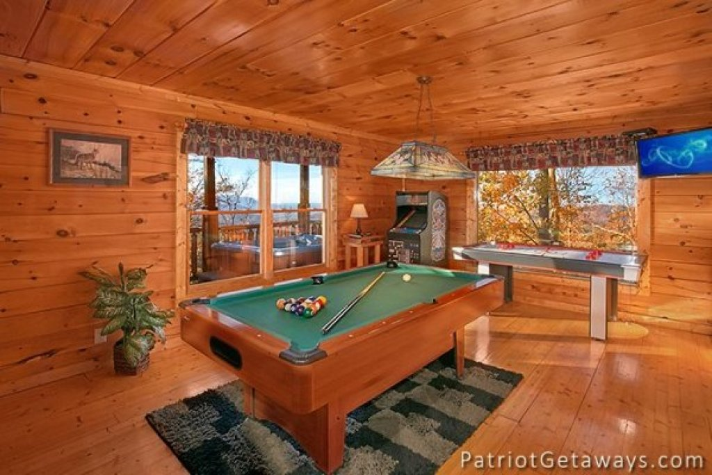 Photo of a Gatlinburg Cabin named The View - This is the sixteenth photo in the set.
