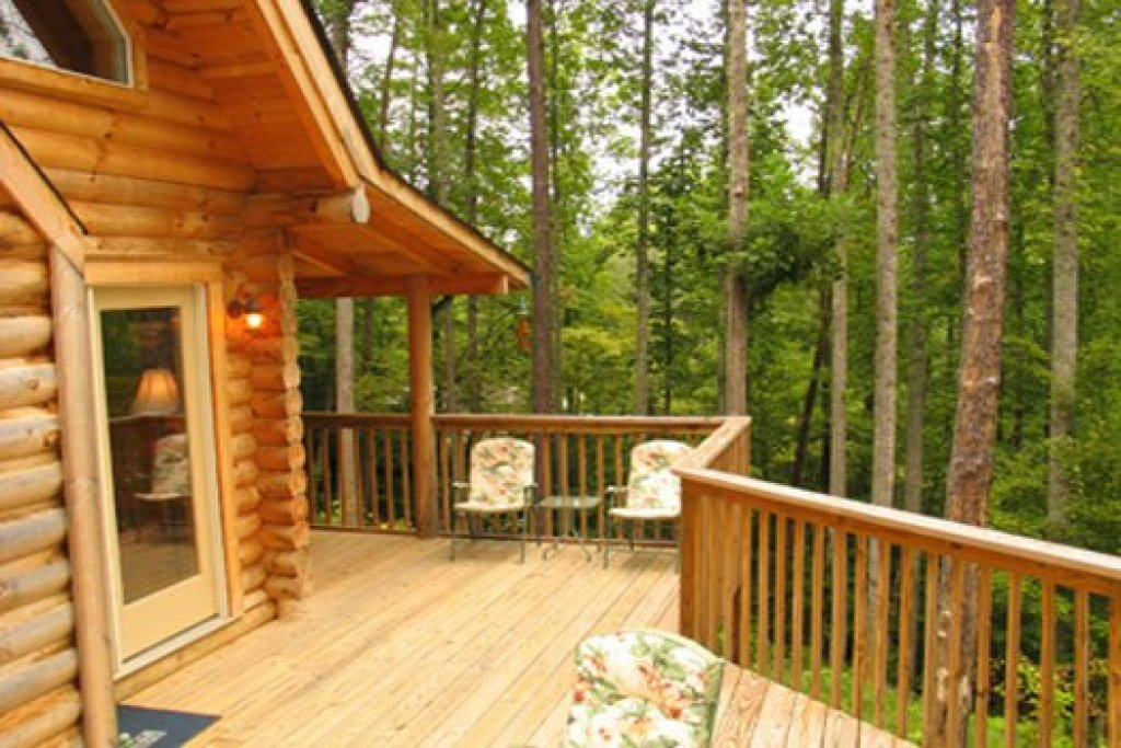 Photo of a Sevierville Cabin named Sierra's Mountain Retreat - This is the sixteenth photo in the set.