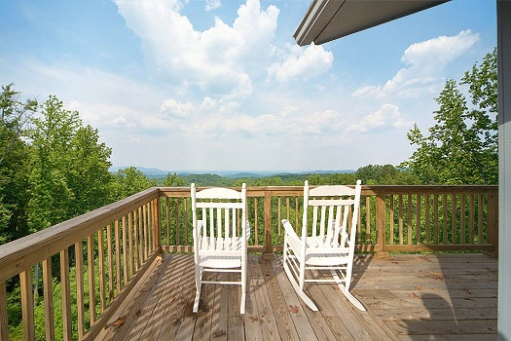 Photo of a Gatlinburg Cabin named Astonishing Views - This is the first photo in the set.