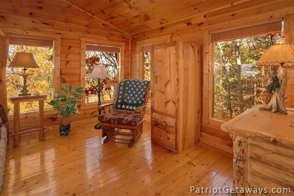 Photo of a Gatlinburg Cabin named The View - This is the fourteenth photo in the set.