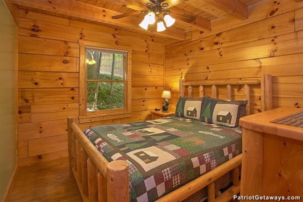 Photo of a Pigeon Forge Cabin named Picture Perfect Hideaway - This is the eleventh photo in the set.