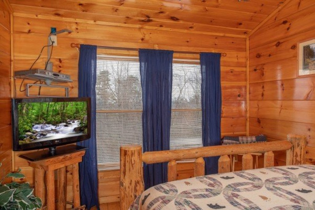Photo of a Gatlinburg Cabin named Smoky Mountain Mist - This is the twenty-first photo in the set.