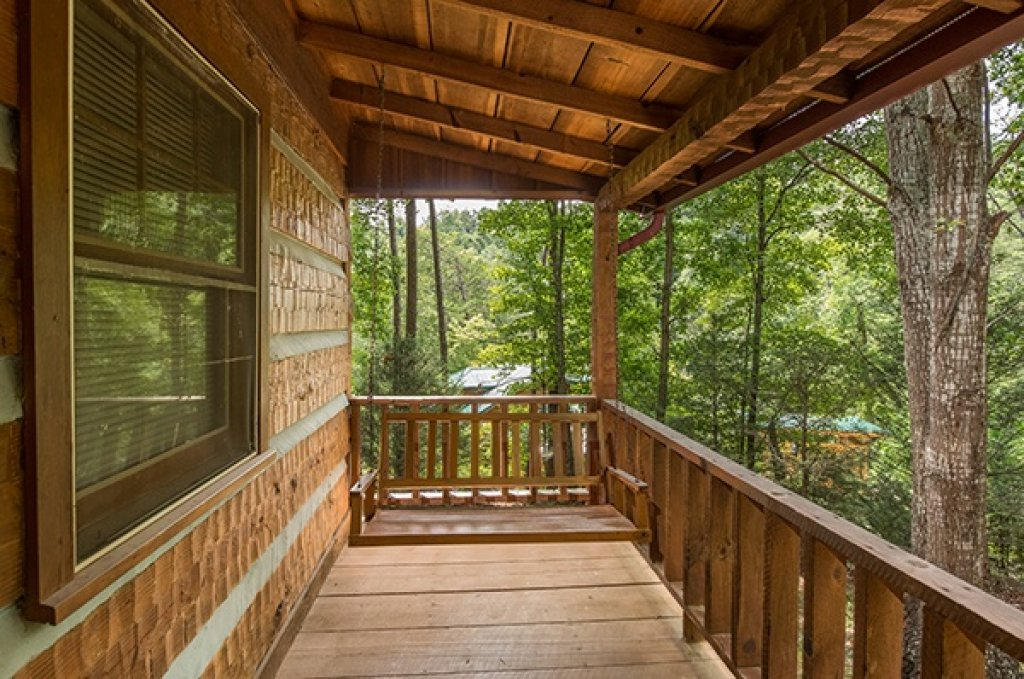 Photo of a Sevierville Cabin named Little Bear - This is the fourteenth photo in the set.