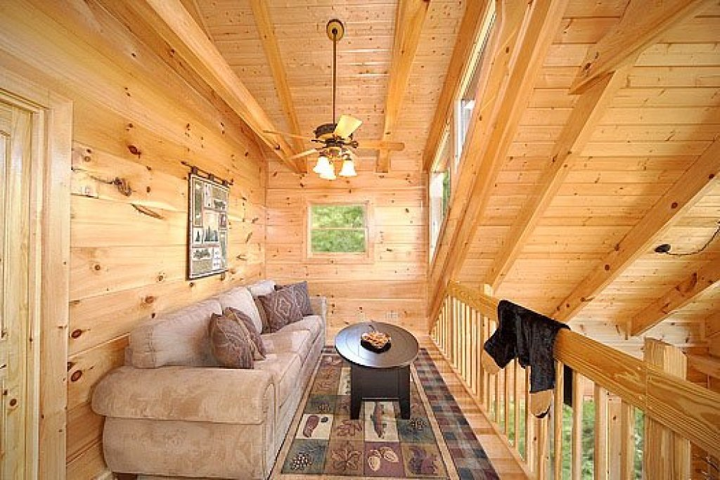 Photo of a Sevierville Cabin named Moonbeams & Cabin Dreams - This is the ninth photo in the set.