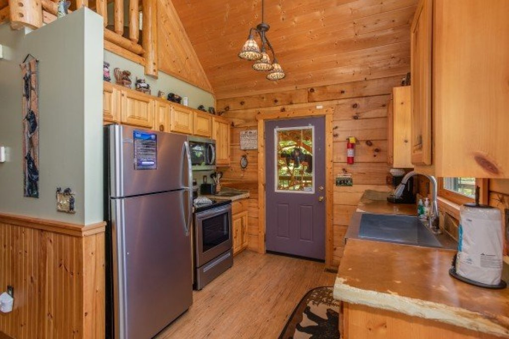 Photo of a Pigeon Forge Cabin named Picture Perfect Hideaway - This is the sixth photo in the set.