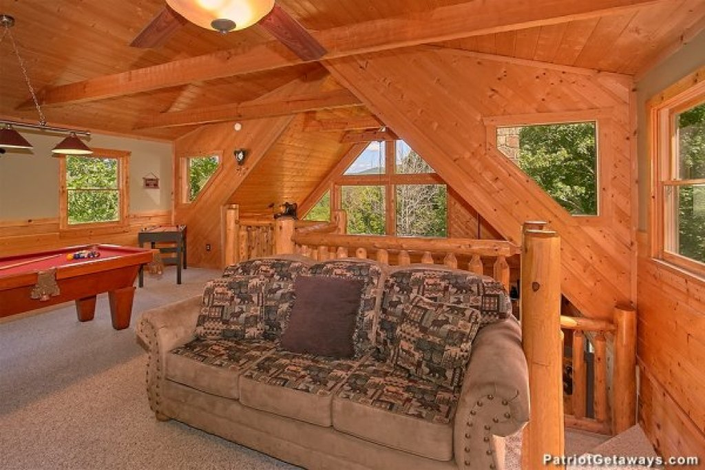 Photo of a Pigeon Forge Cabin named Picture Perfect Hideaway - This is the twenty-first photo in the set.