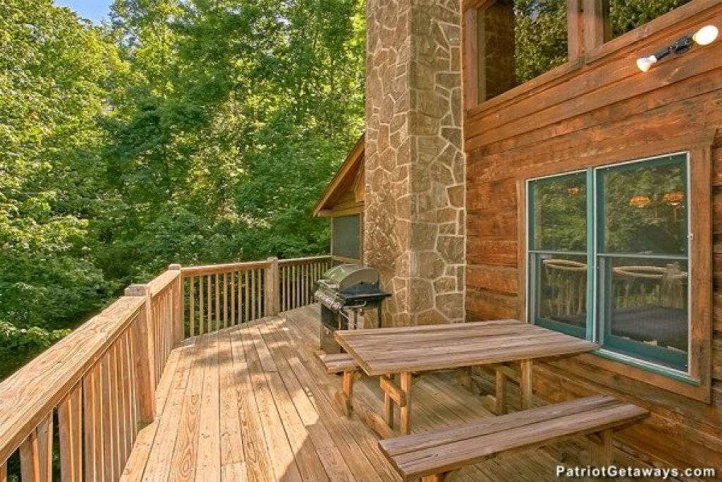 Photo of a Pigeon Forge Cabin named Picture Perfect Hideaway - This is the twenty-fourth photo in the set.